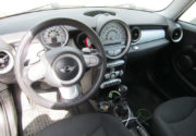 Мини Купер 1,4 л АКПП 2008 года выпуска