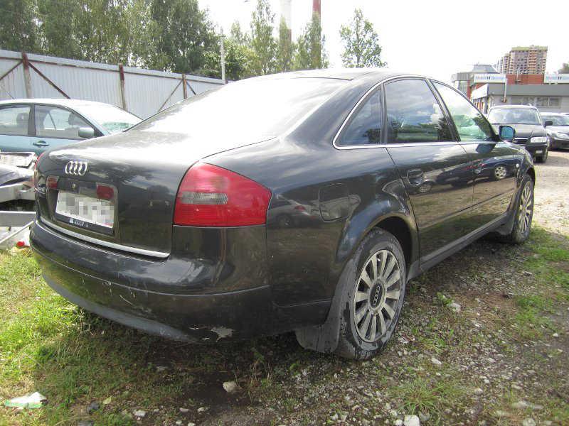 Audi A6 2.4 л АКПП 1998 года выпуска