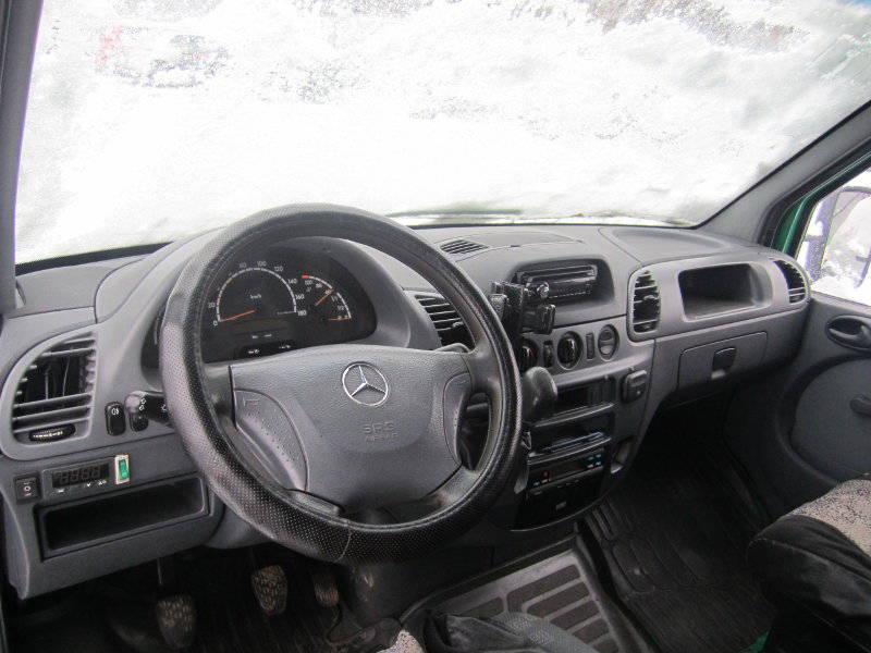 Мерседес Cпринтер 2,2 Дизель 2006 года выпуска